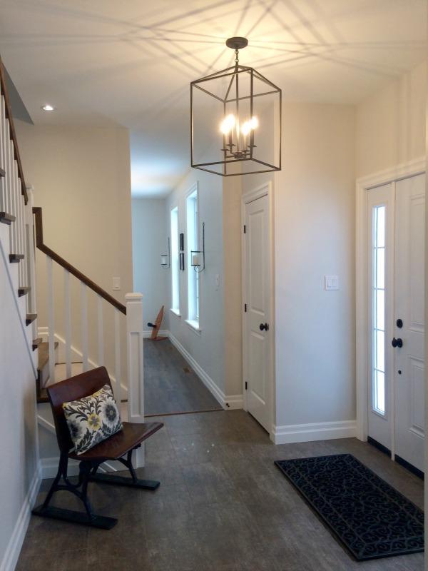 Minimalist Entryway 2