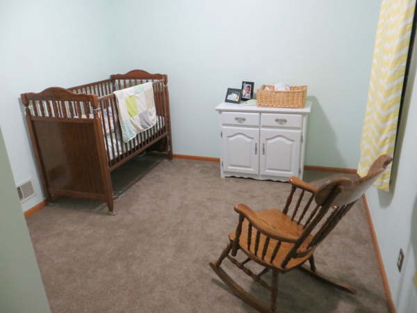 Practical and Heartwarming Minimalist Baby Room