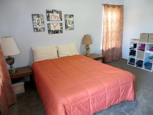 Practical and Heartwarming Minimalist Bedroom