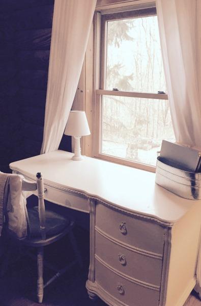 Minimalist log cabin office