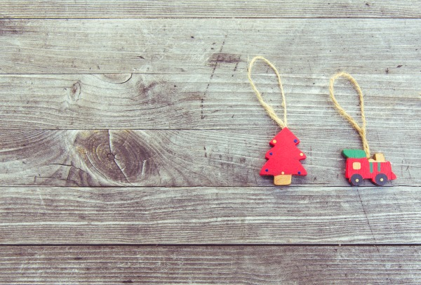 Give Less Clutter this Christmas: A Simple Strategy - Plus 41 Non-Toy Gift Ideas for Children