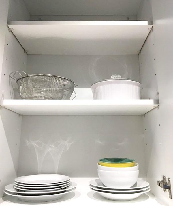 Minimalist Kitchen Cupboard