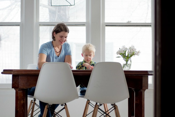 A Day in the Life of a Minimalist Mom