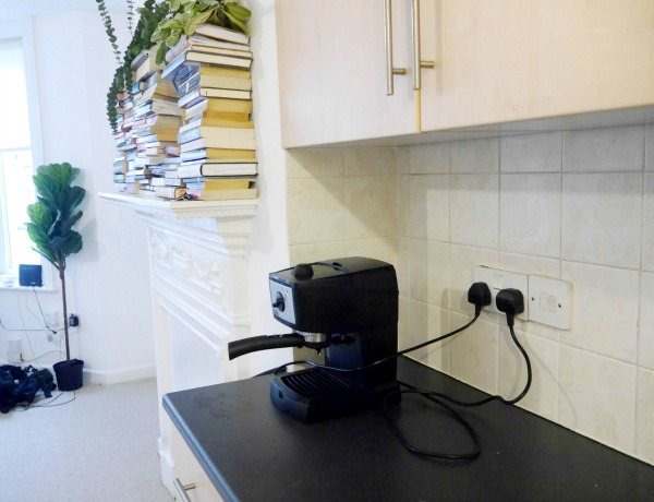 Minimalist Kitchen Counter