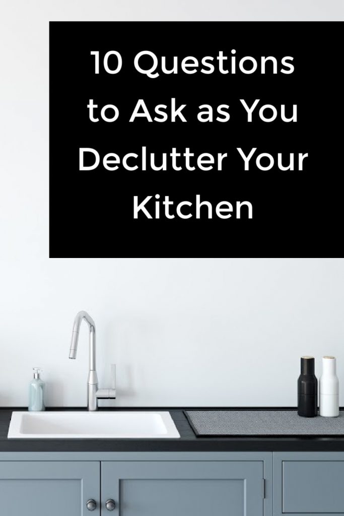 When I started decluttering I would open the cupboard up and I would think like, oh, which items should I declutter? But that's ALL WRONG! Please, let me give you 10 questions that will help SO MUCH MORE! #Decltutter #declutterthekitchen